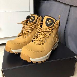 Nike Manoa Boots